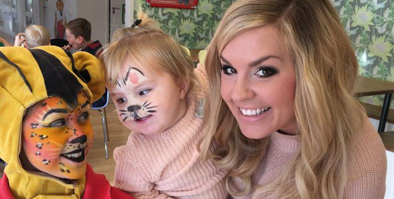 Jessica Lagergren tillsammans med dottern Elsa.
