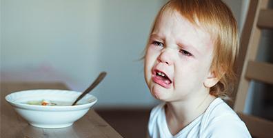 Barn som vägrar att smaka på maten